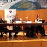 """Debate 3: """"El futuro de la reglamentación internacional de los contratos internacionales"""". A cargo de: Hans Van Loon, José Angelo Estrella, Sandrine Clavel. Moderado por Dante Negro"""
